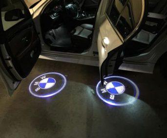 Дверная подсветка с логотипом авто