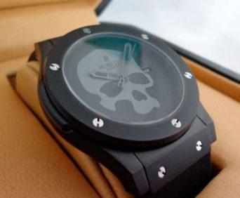 Стильные часы и Портмоне в подарок подходит к любой одежде