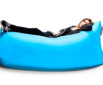 Надувной диван для каждого Lamzak - мобильное спальное место