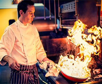 Профессиональные поварские сковородки ШефМастер - можно использовать при готовке на открытом сильном огне