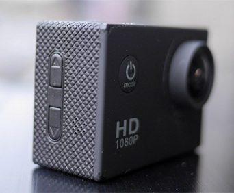 Экшн камера SportCam fullHD укомплектована 12 различными креплениями
