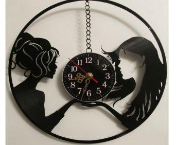 Часы из виниловых пластинок - девушки