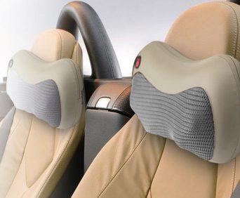 Подушка массажная на спинке сиденья автомобиля